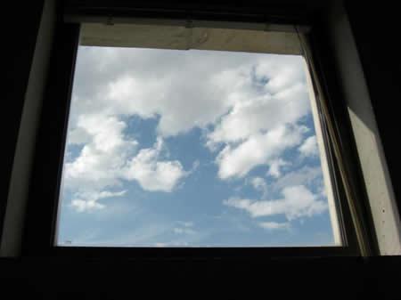 ventana-con-nubes1